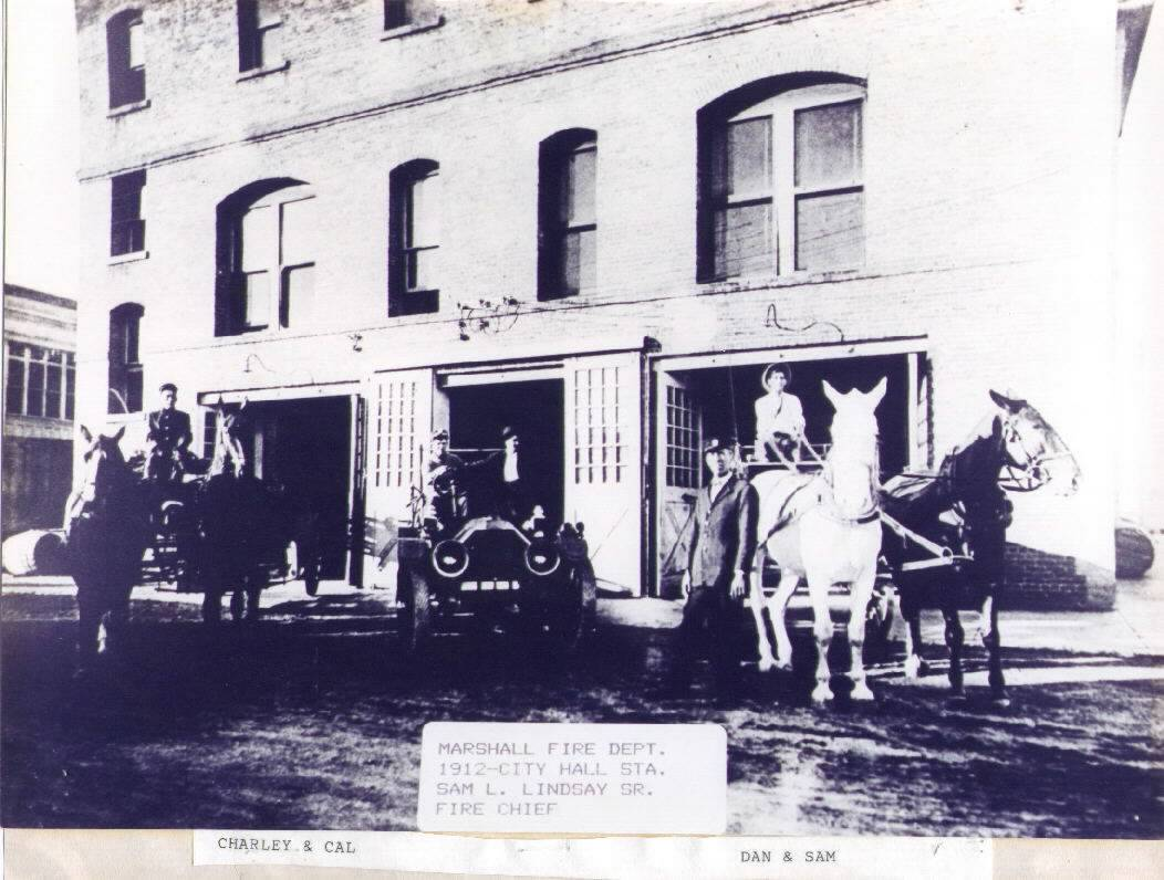 1912 - Fire Personnel in Vehicles and on Horse Wagons